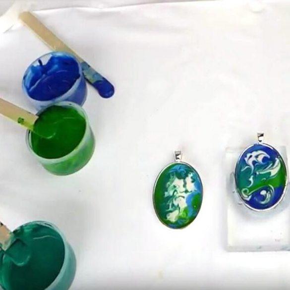 A kis kiszerelésű Art Clay öntőpor rendszerrel szép, kerámia hatású ékszereket készíthetünk